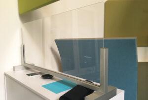 Sonderlösung aus Glas zur Abtrennung und zum Infektionsschutz